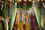 indonesia-wedding-modern-javanese-moslem-newlywed-front-local-style-altar-jakarta-32084182[1]