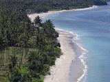 lombok-indonesia-beach-island-march-32163642[1]