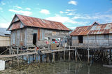 residential-houses-stilts-maumere-indonesia-25799961[1]